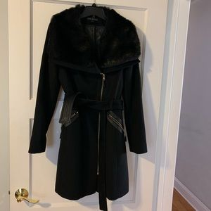 Vía Spiga Coat size 8, perfect condition!